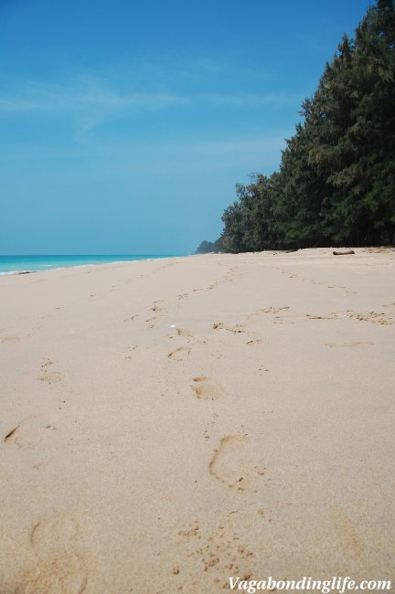 vagabonding beach