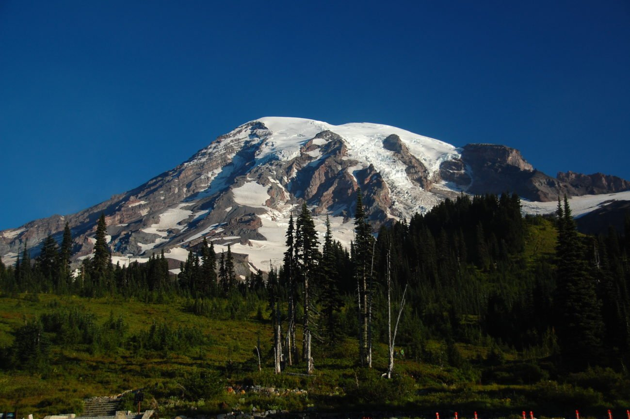 Mount Rainier: Hiking to Camp Muir